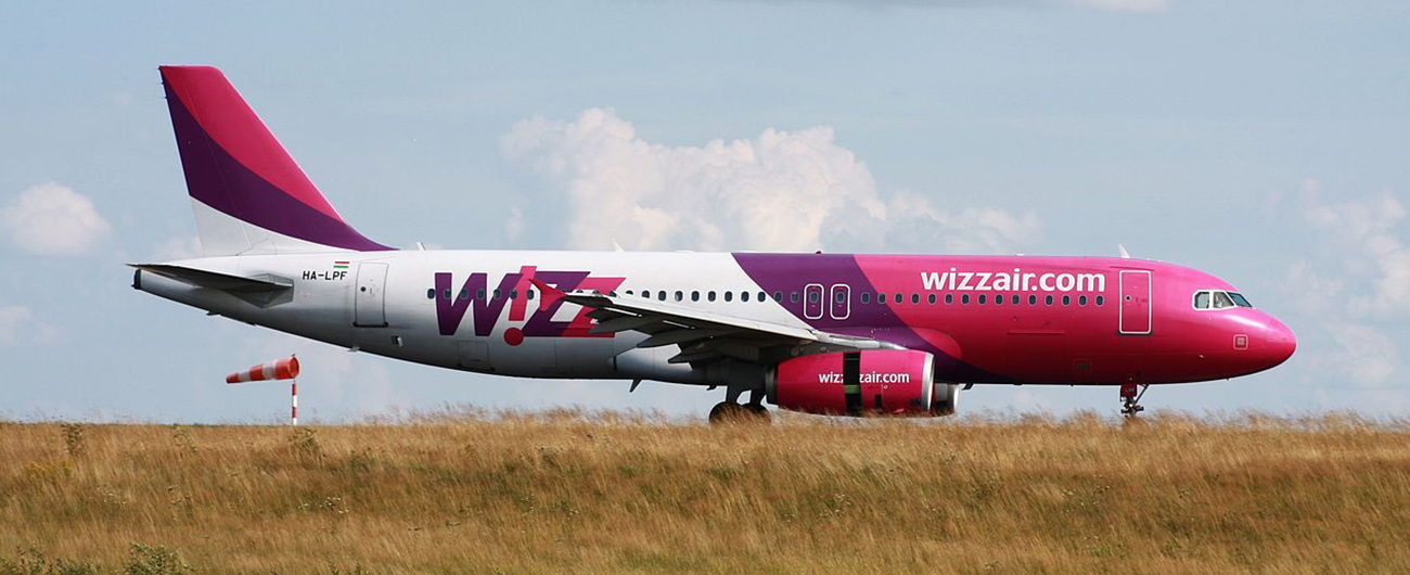 Fitch Downgrades Wizz Air to 'BBB-'; Maintains Negative Outlook