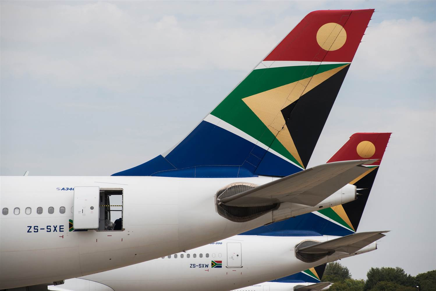 South African Airways advises on Zimbabwean operations